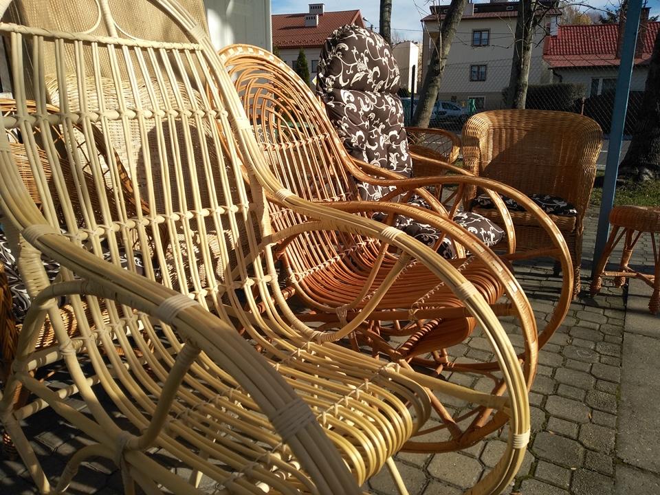 fotele bujane z wikliny